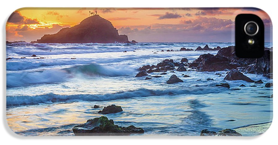 America IPhone 5 Case featuring the photograph Koki Beach Harmony by Inge Johnsson