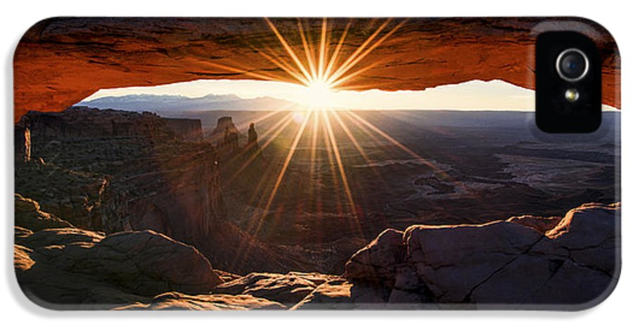 Mesa Glow IPhone 5 Case featuring the photograph Mesa Glow by Chad Dutson
