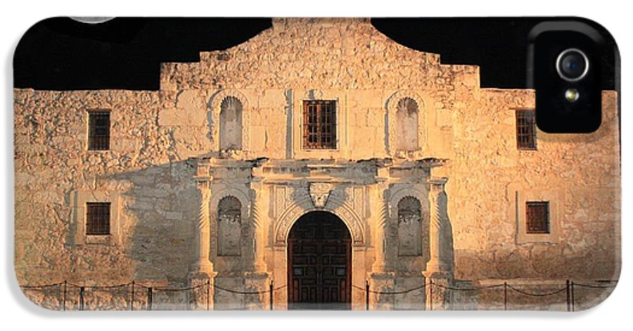 The Alamo IPhone 5 / 5s Case featuring the photograph Moon Over The Alamo by Carol Groenen