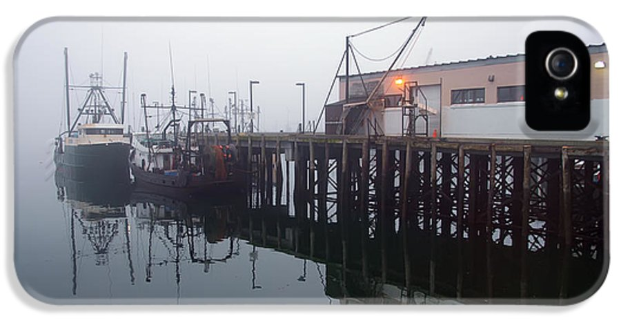 Seascape IPhone 5 Case featuring the photograph Night Fog Along The Dock by Bob Orsillo