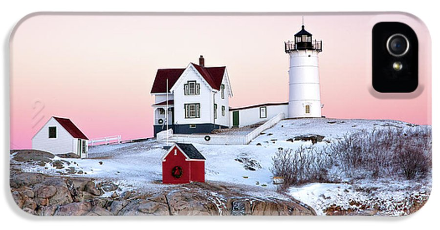 Cape Neddick Light IPhone 5 Case featuring the photograph Nubble Glow by Susan Cole Kelly