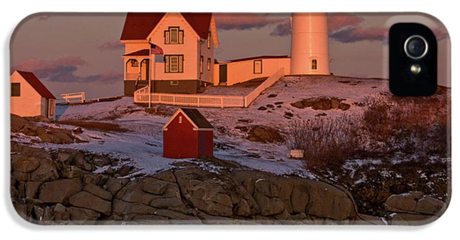 cape Neddick Lighthouse IPhone 5 Case featuring the photograph Nubble Light At Sunset by Paul Mangold