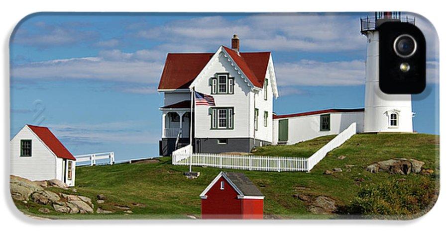 Cape IPhone 5 Case featuring the photograph Nubble Lighthouse - D002365 by Daniel Dempster