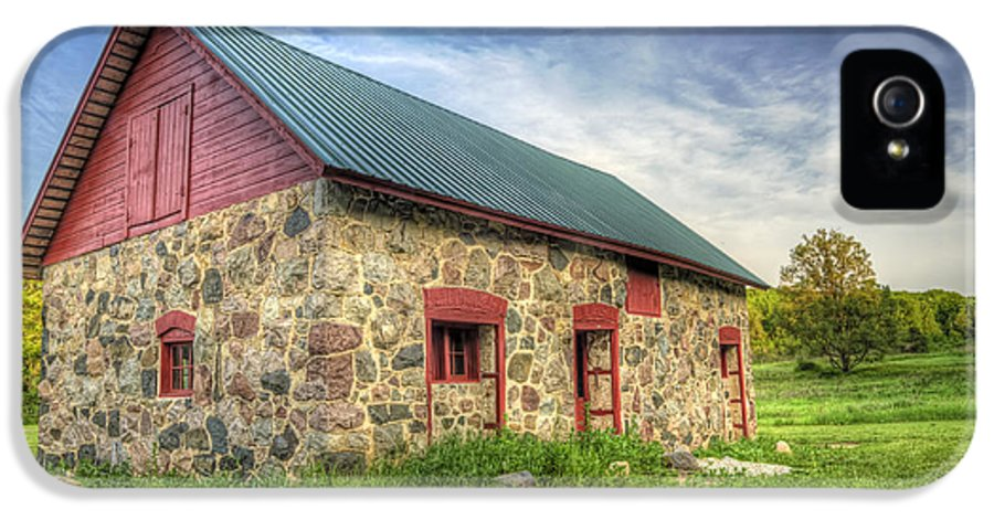 Barn IPhone 5 Case featuring the photograph Old Barn At Dusk by Scott Norris