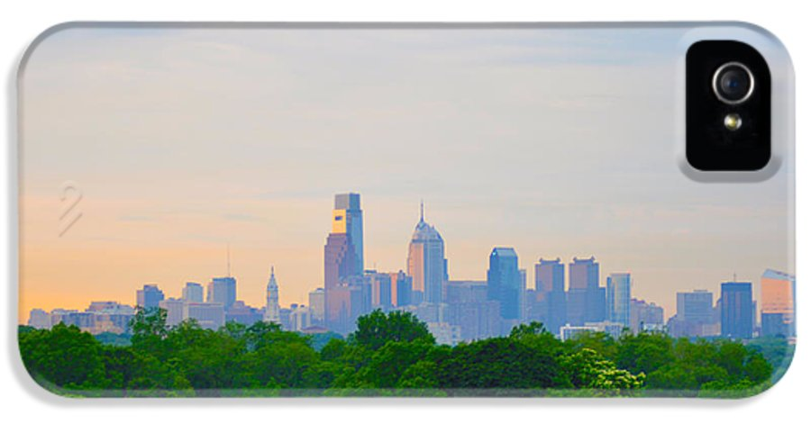 Skyline IPhone 5 Case featuring the photograph Philadelphia Skyline From West Lawn Of Fairmount Park by Bill Cannon
