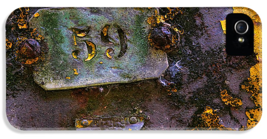 Background IPhone 5 / 5s Case featuring the photograph Plate 59 by Carlos Caetano