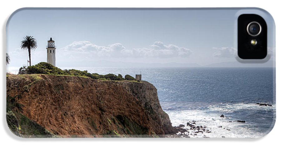 Angeles IPhone 5 Case featuring the photograph Point Vicente Lighthouse In Winter by Heidi Smith