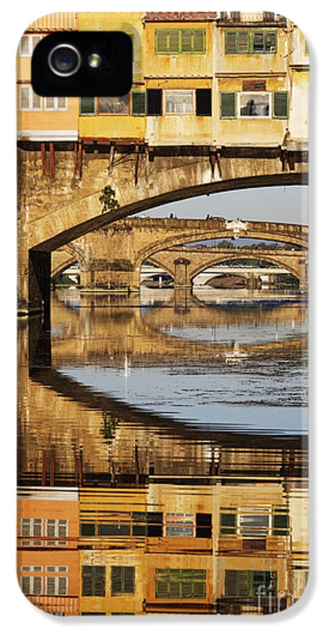 Arch IPhone 5 Case featuring the photograph Ponte Vecchio Crossing The River A by Jeremy Woodhouse
