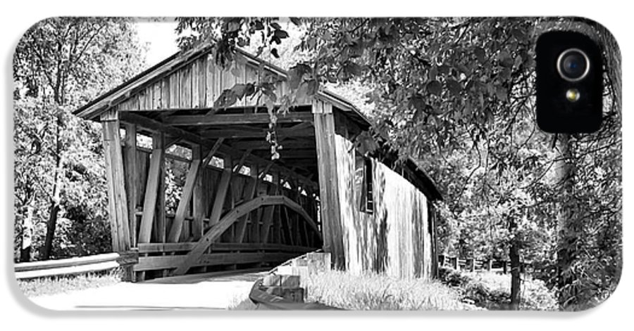 Cove IPhone 5 Case featuring the photograph Quinlan Bridge by Deborah Benoit