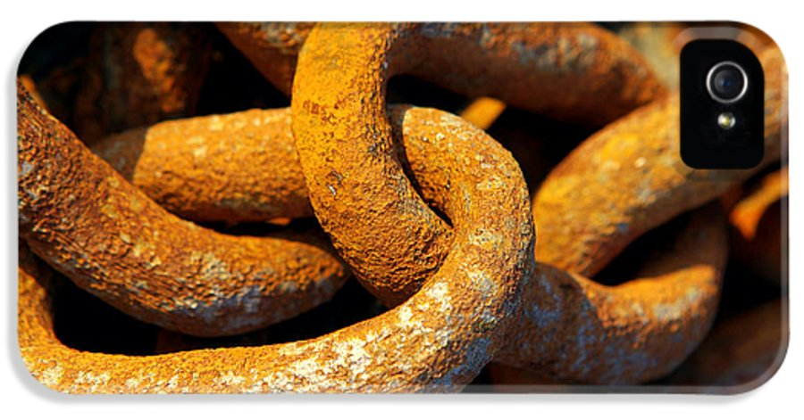 Anchor IPhone 5 / 5s Case featuring the photograph Rusty Chain by Carlos Caetano