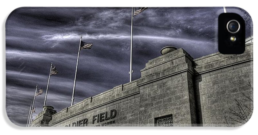 Hdr IPhone 5 Case featuring the photograph South End Soldier Field by David Bearden