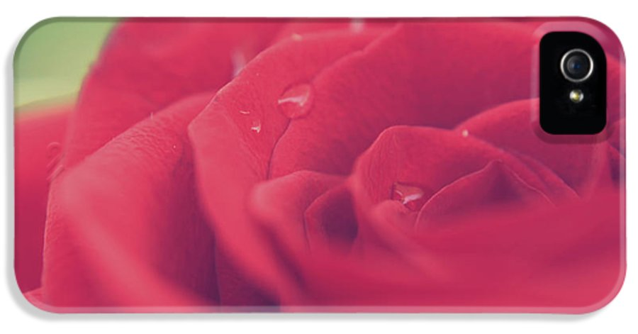 Macro IPhone 5 / 5s Case featuring the photograph Tears Of Love by Laurie Search