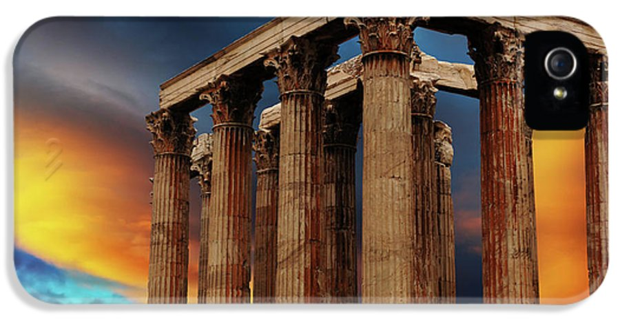 Ancient IPhone 5 Case featuring the photograph Temple Of Olympian Zeus by Bob Christopher