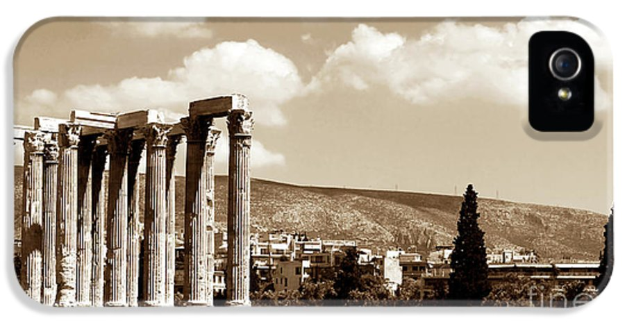 Temple Of Zeus IPhone 5 Case featuring the photograph Temple Of Zeus by John Rizzuto