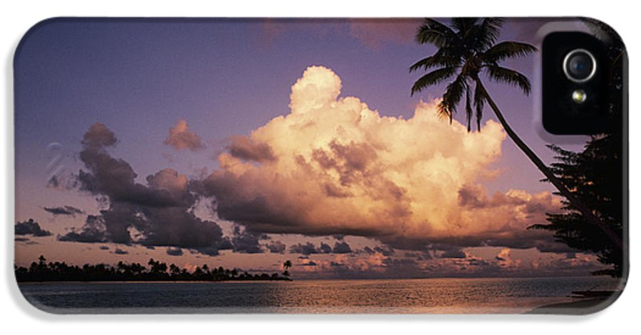 Beach IPhone 5 Case featuring the photograph Tetiaroa by Larry Dale Gordon - Printscapes