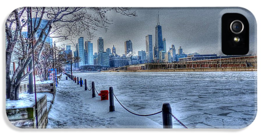 Chicago Illinois IPhone 5 Case featuring the photograph West From Navy Pier by David Bearden