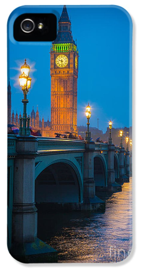 Big Ben IPhone 5 Case featuring the photograph Westminster Bridge At Night by Inge Johnsson