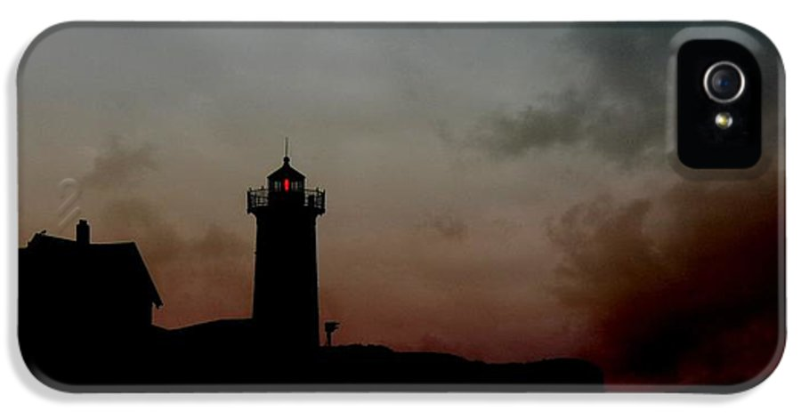 Lighthouse IPhone 5 / 5s Case featuring the photograph Wicked Dawn by Lori Deiter