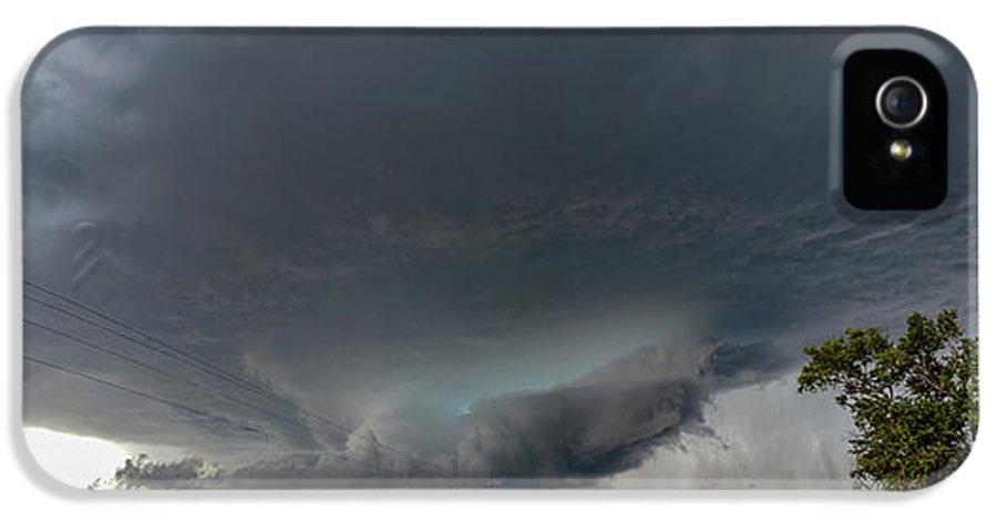 Nebraskasc IPhone 5 Case featuring the photograph Storm Chasin In Nader Alley 008 by NebraskaSC