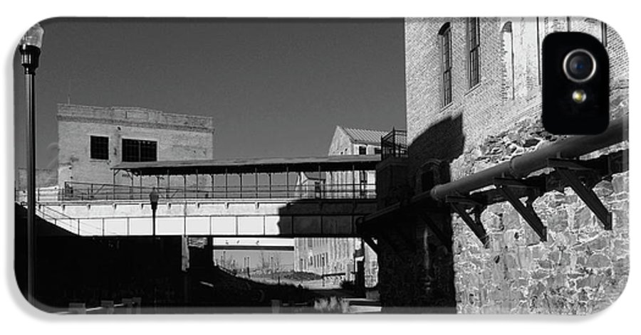 Architecture IPhone 5s Case featuring the photograph Silence On The Banks Of The Chattahoochee by Dick Goodman