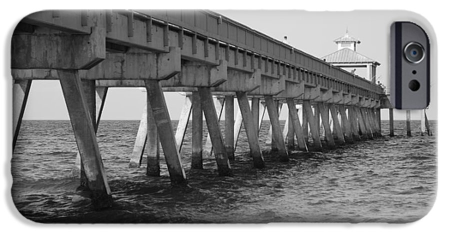 Architecture IPhone 6 Case featuring the photograph Deerfield Beach Pier by Rob Hans