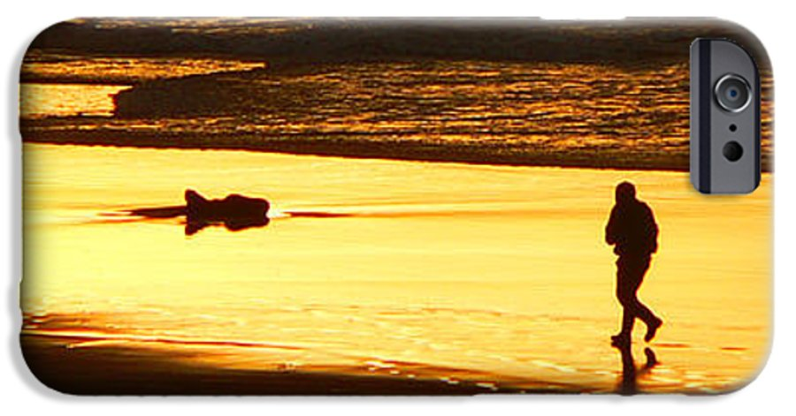 Pacific Ocean IPhone 6 Case featuring the photograph Jog At Sunset by Larry Keahey