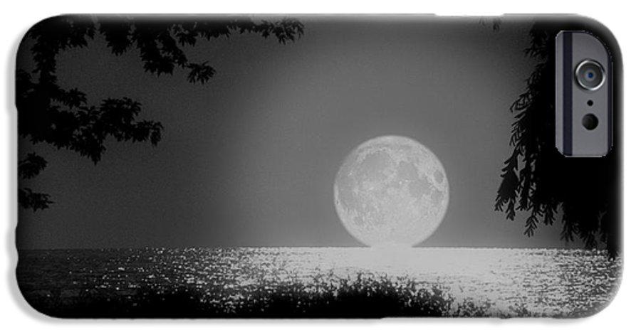 Moon IPhone 6 Case featuring the photograph Moonset On Lake Erie by Kenneth Krolikowski