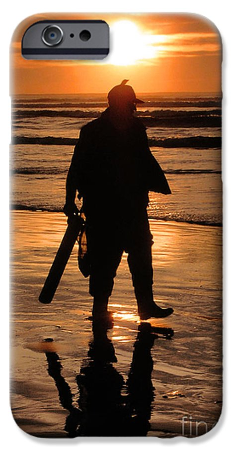 Pacific IPhone 6 Case featuring the painting Razor Clam Hunter by Larry Keahey