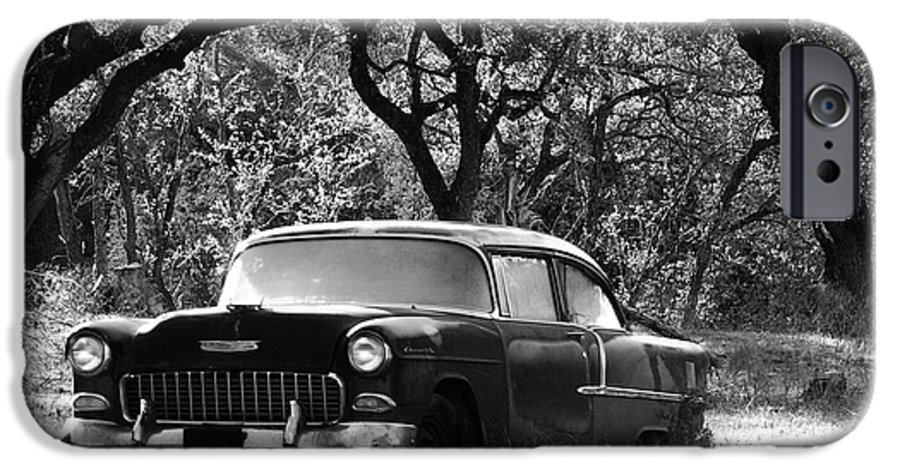 Americana IPhone 6 Case featuring the photograph Resting Amongst The Oaks by Marilyn Hunt