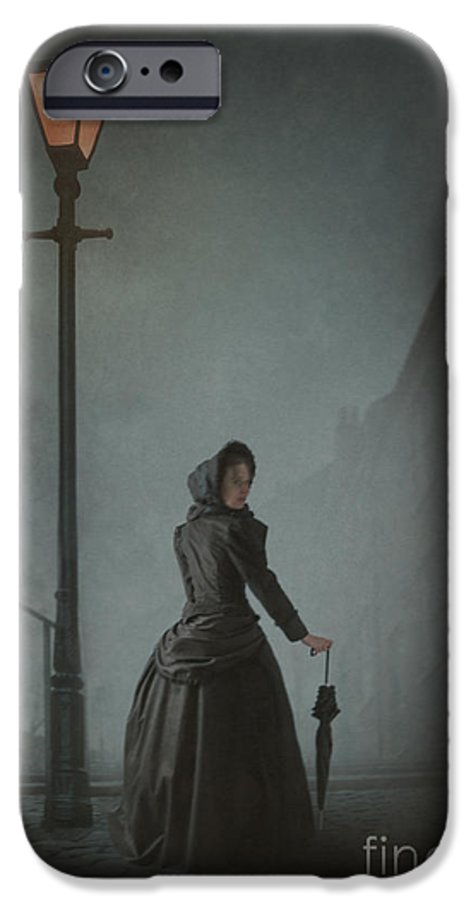 Victorian IPhone 6s Case featuring the photograph Victorian Woman Under Streetlamp In Fog by Lee Avison