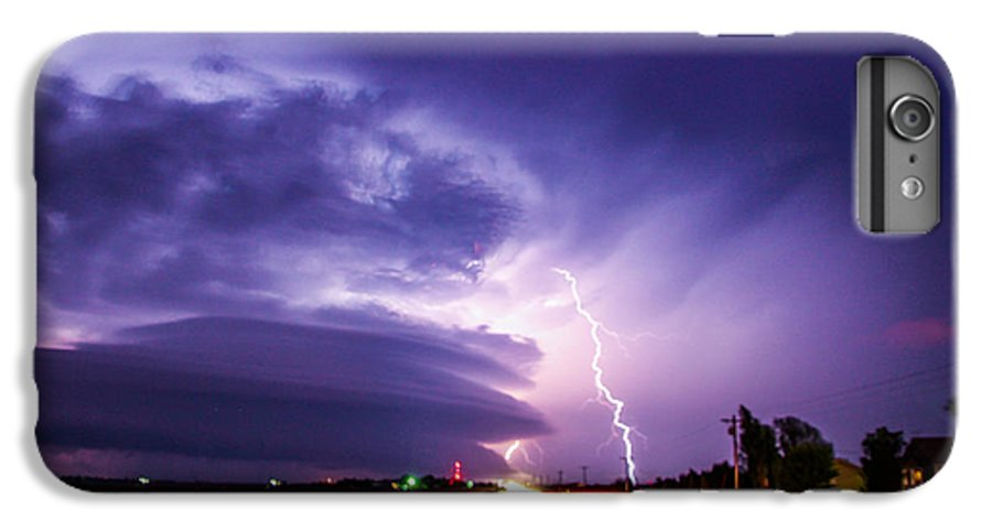 Stormscape IPhone 6s Plus Case featuring the photograph Tornado Warning In Northern Buffalo County by NebraskaSC