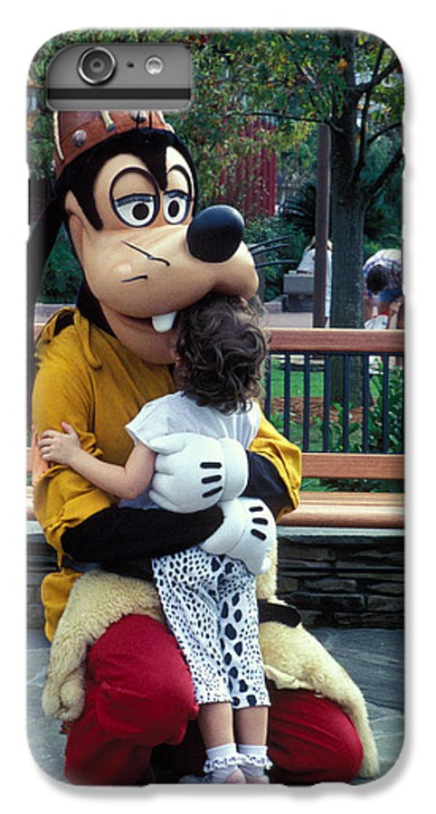 Disney IPhone 6s Plus Case featuring the photograph Goofy Love by Carl Purcell