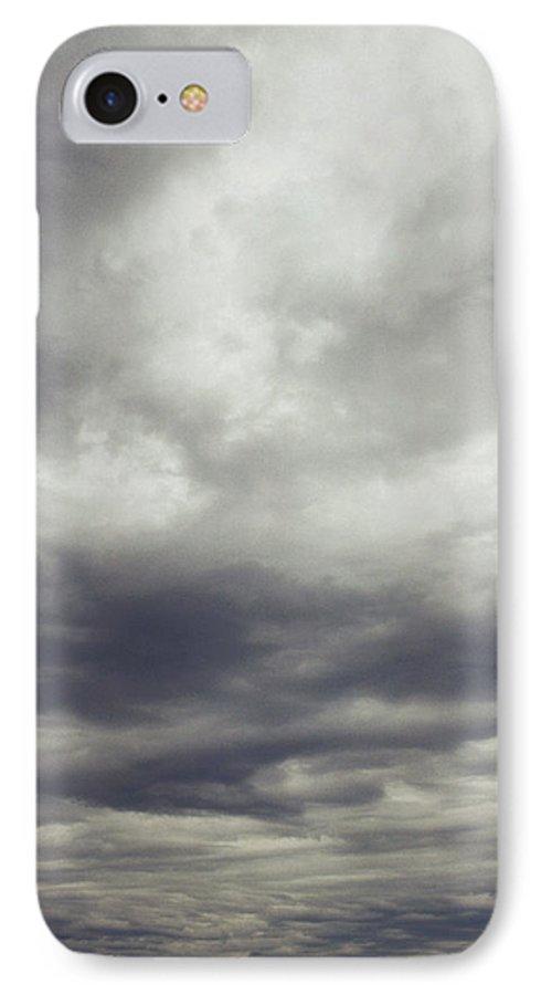 clouds iphone 7 case