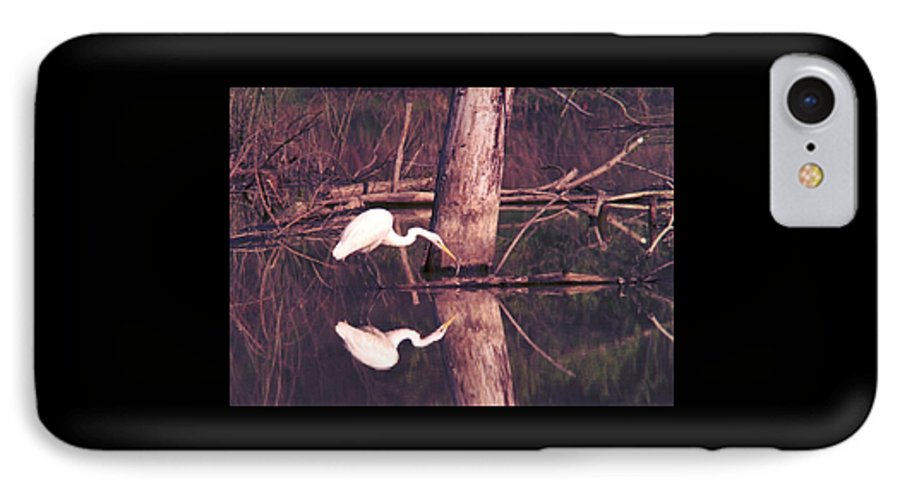 Great Egret IPhone 7 Case featuring the photograph 070406-17 by Mike Davis