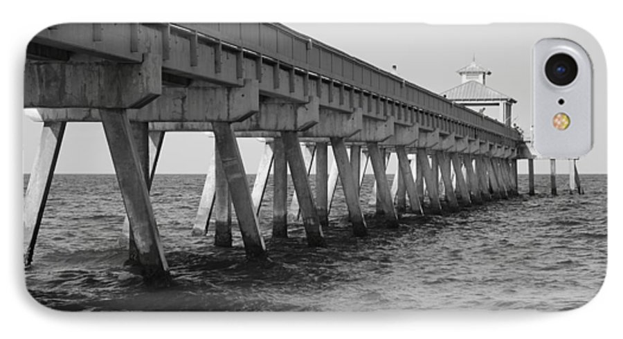 Architecture IPhone 7 Case featuring the photograph Deerfield Beach Pier by Rob Hans