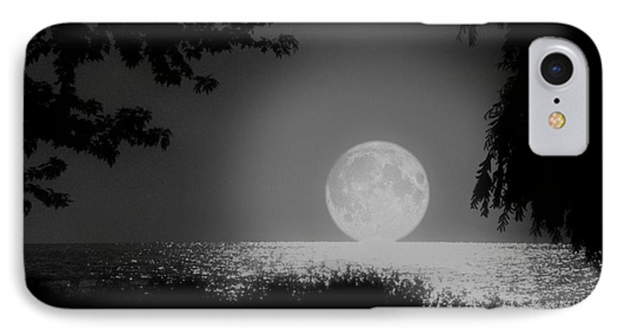 Moon IPhone 7 Case featuring the photograph Moonset On Lake Erie by Kenneth Krolikowski