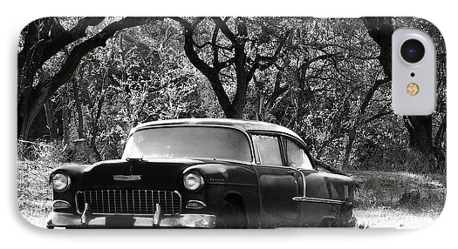 Americana IPhone 7 Case featuring the photograph Resting Amongst The Oaks by Marilyn Hunt