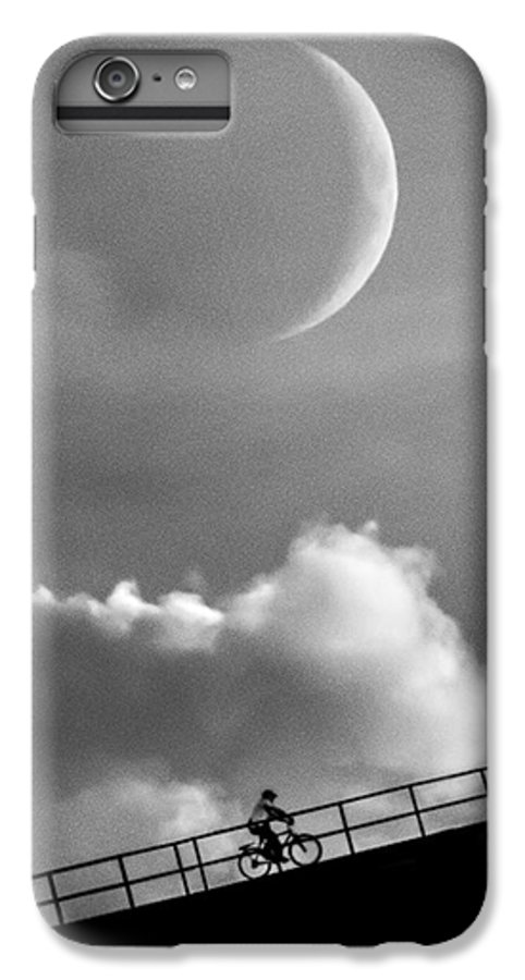 Crescent Moon IPhone 7 Plus Case featuring the photograph No Turning Back by Bob Orsillo