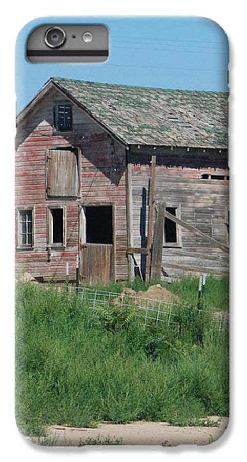 Farm IPhone 7 Plus Case featuring the photograph A Drive In The Country by Margaret Fortunato