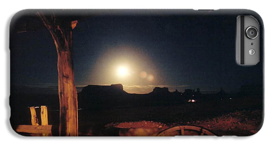 Landscape IPhone 7 Plus Case featuring the photograph Monument Moonrise by Cathy Franklin