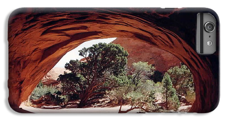 Utah IPhone 7 Plus Case featuring the photograph Navajo Arch by Kathy Schumann