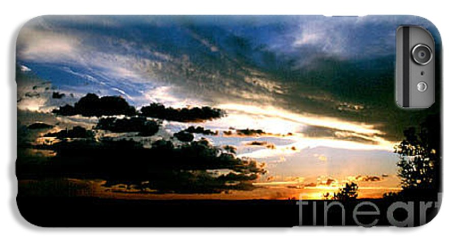 Sunset IPhone 7 Plus Case featuring the photograph Sunset At The North Rim by Kathy McClure