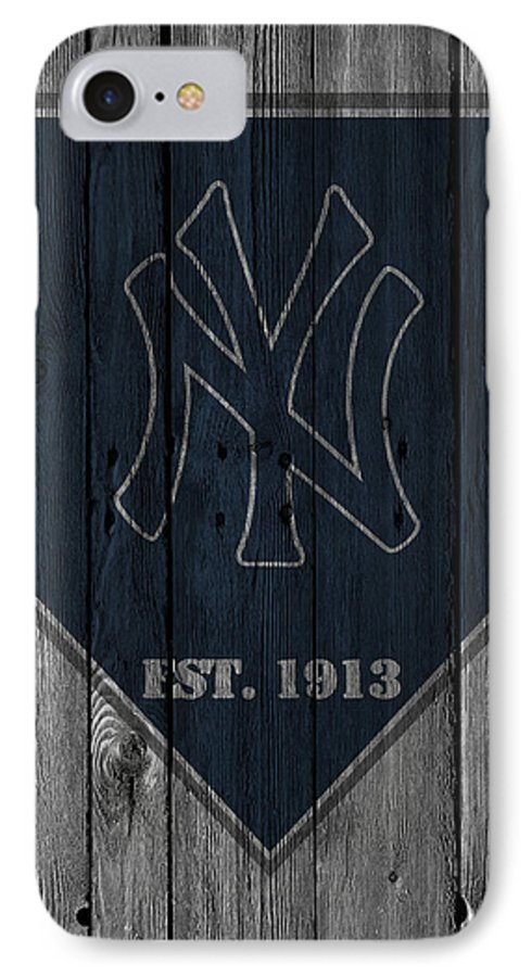 huge selection of d7cee 43688 New York Yankees IPhone 8 Case