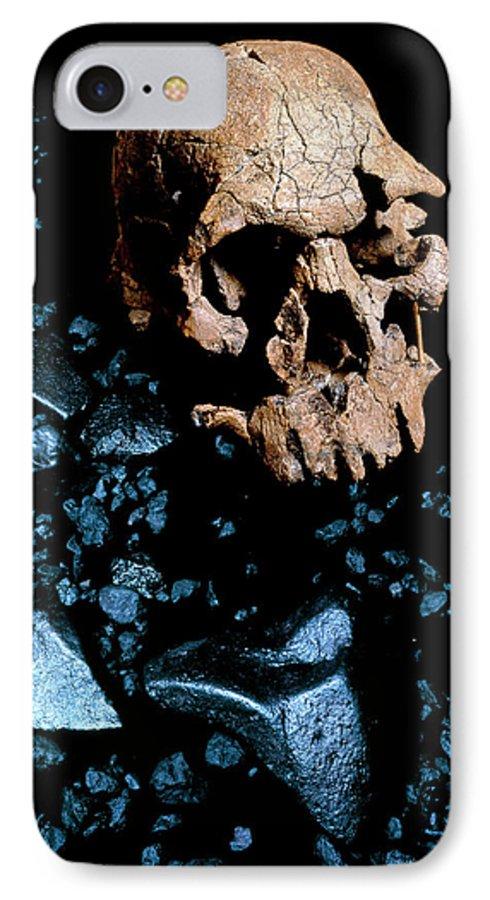 best service f7b1c 8aa3b Fossil Skull 1470 IPhone 8 Case