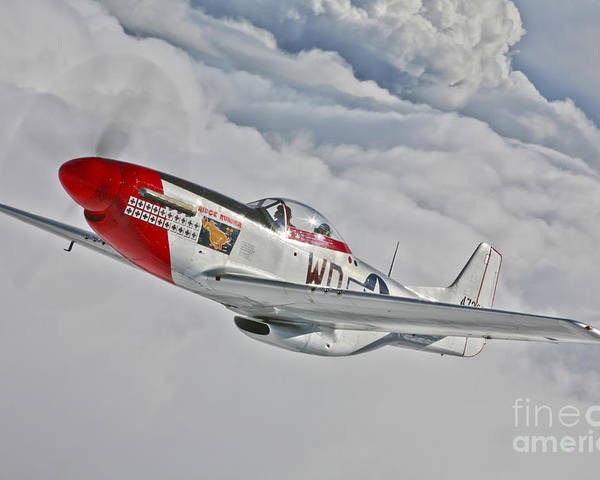 Horizontal Poster featuring the photograph A P-51d Mustang In Flight by Scott Germain