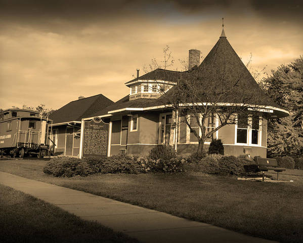 Witch's Hat Railroad Depot Poster featuring the photograph Witch's Hat Railroad Depot by Paul Cannon