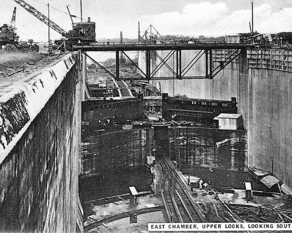 1910 Poster featuring the photograph Panama Canal, 1910s by Granger