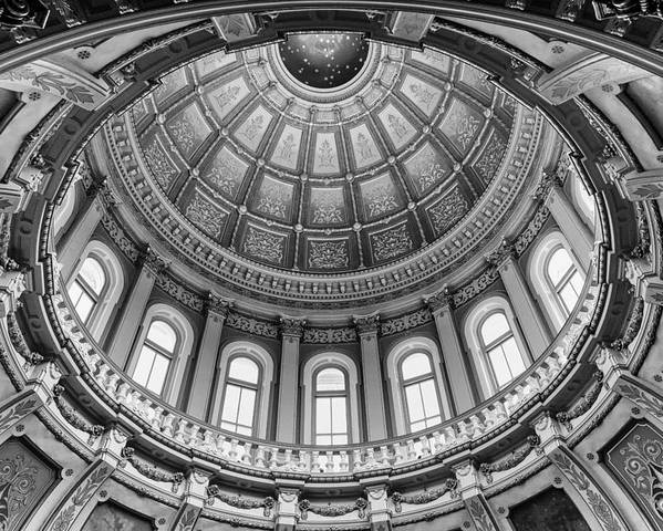 Michigan Capitol Dome by Gej Jones