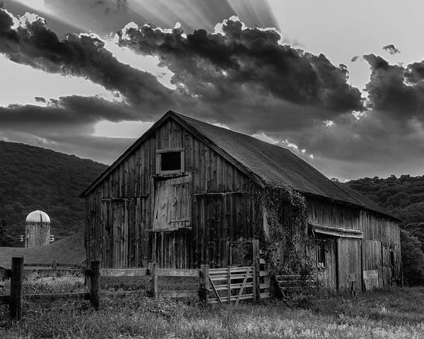Kent Connecticut Poster featuring the photograph Casey's Barn-black And White by Thomas Schoeller
