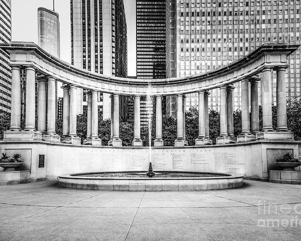 America Poster featuring the photograph Chicago Millennium Monument In Black And White by Paul Velgos